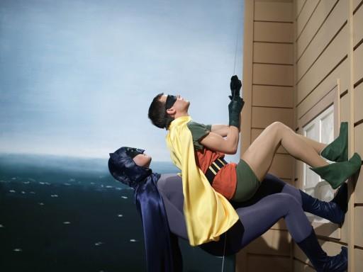 batman-robin-climbing