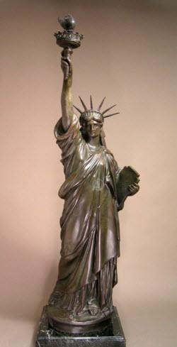 statue bronzed
